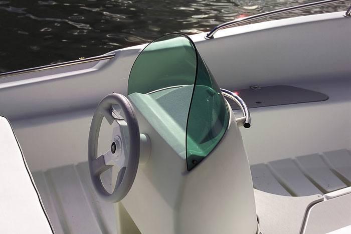CAP-400-cockpit[1]