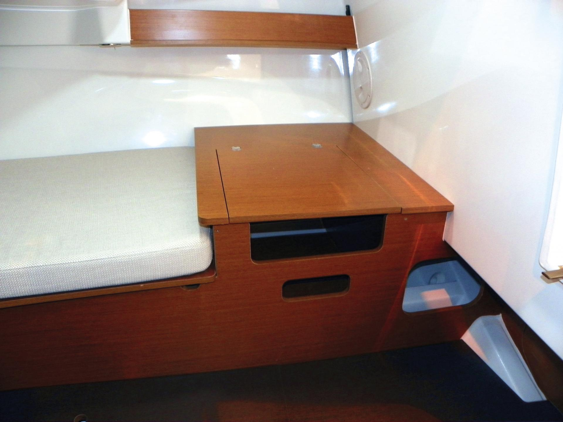 Cap Camarat 6.5 WA Cabine interrieur