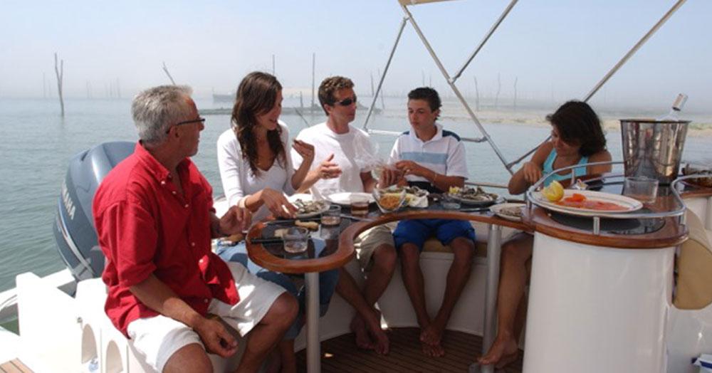 beacher-nautique-bateau-v8-open-4