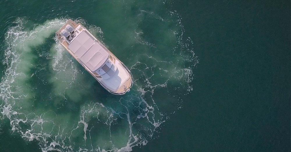 beacher-nautique-v10-bateau-croisiere-vue-aerienne-2