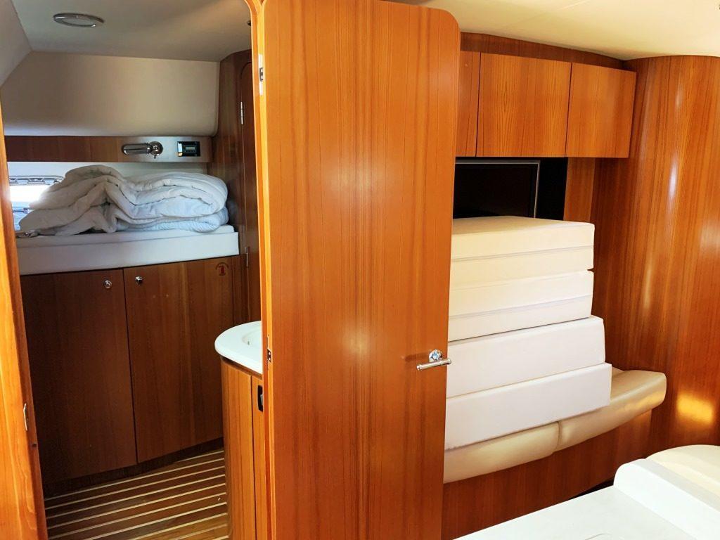 accès cabine tribord