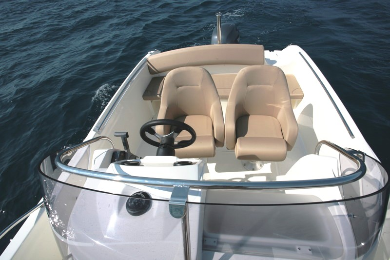 bateau_jeanneau-cap-camarat-65-open_2457348[1]